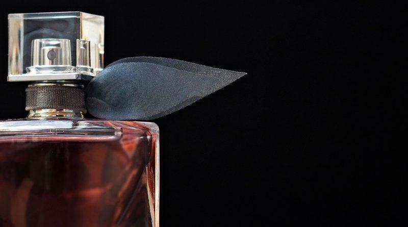 historií parfémů