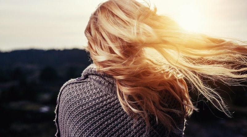 Jak podpořit růst vlasů?