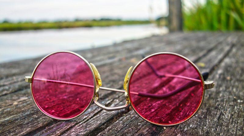 Sluneční brýle vybírejte podle tvaru vašeho obličeje